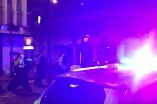 英のロンドン橋付近で無差別テロ、死者7人、48人が負傷【動画】