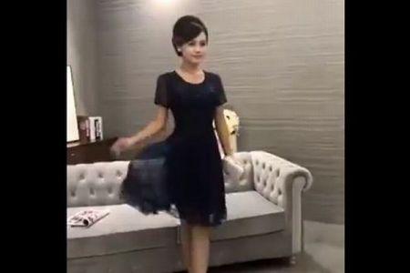 数十秒間で30以上、撮影現場での中国人モデルのポージングが早すぎる