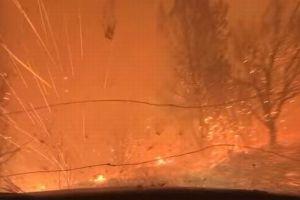 まるで地獄…火の粉が飛び交うカリフォルニアの山火事の実態が恐ろしい【動画】