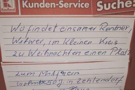 孤独な高齢者にクリスマスの招待が殺到、きっかけはスーパーに貼ったメモだった