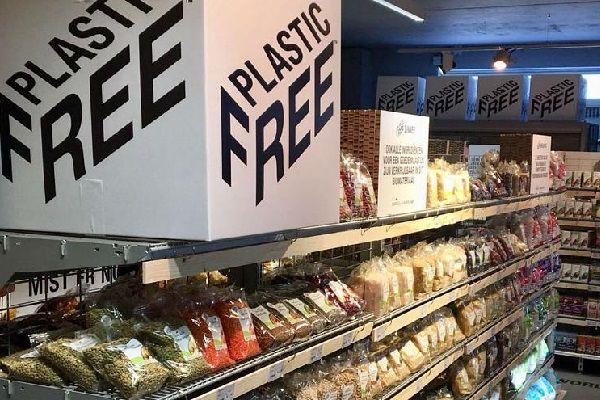 """オランダに世界初の""""プラスチックフリー""""のスーパーマーケットが登場"""