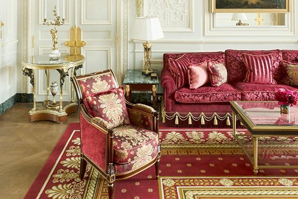 パリの超高級ホテル、1万点もの備品をオークションにかけるとして話題に