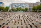 EU本部前広場に4500足の靴!市民グループがパレスチナの惨状を訴える