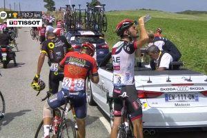 デモのため「ツール・ド・フランス」のレース中断、選手も催涙ガスの被害に