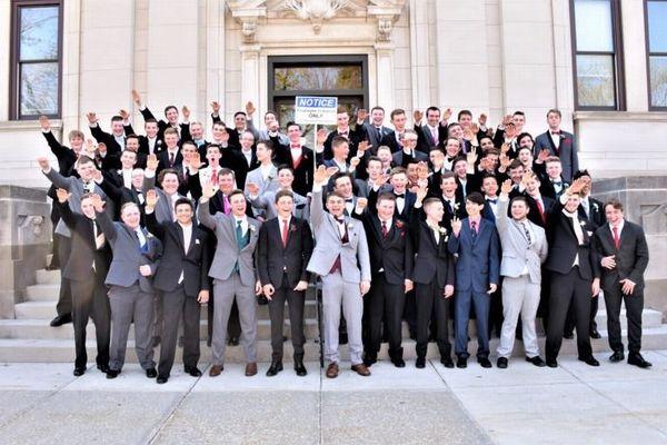 「ジークハイル!」米の高校生が記念撮影でナチス式敬礼をして物議に