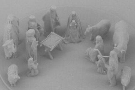 キリスト降誕の像、3Dプリンターで作った細胞サイズのレプリカがスゴイ