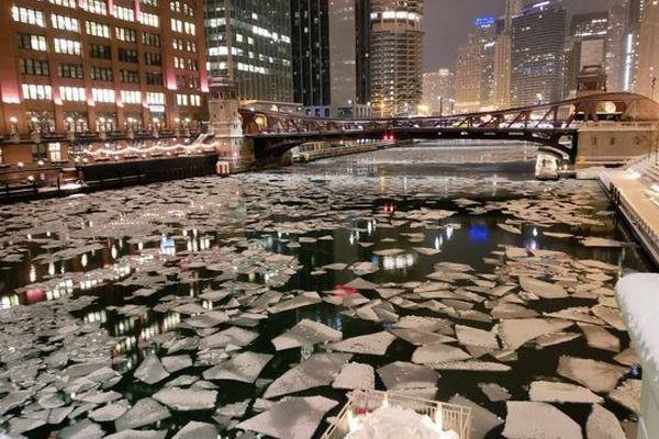 川が氷に覆われ、熱い湯も結晶に…ネットで見る大寒波に襲われた米北部の様子【動画】