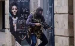 ケニアのホテル襲撃事件、英SAS隊員が1人で建物に乗り込み人々を救出