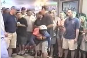 米国ストリップクラブでポピュラーな「小人投げ」が禁止される方向に