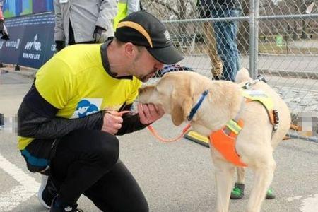 NYのハーフマラソンで、目の不自由なランナーが初めてガイドドッグとともに走り完走
