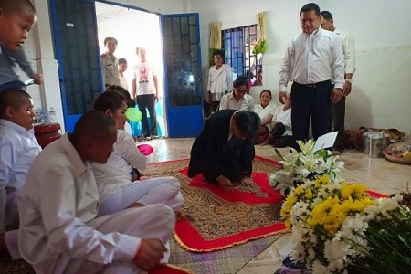 日本人の男らが強盗殺人を犯したカンボジア。被害者の葬儀で起きた日本への称賛