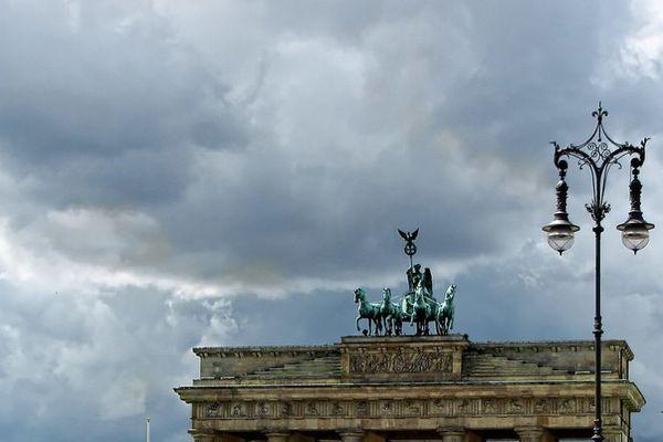 ドイツで爆弾脅迫犯を逮捕、国内中の公共施設に脅迫状を送りつけた?