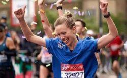 ギネスが判定を覆した!英のマラソンで看護師姿の女性を世界記録に認定