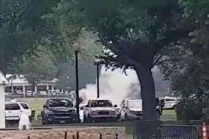 【閲覧注意】ホワイトハウス付近の公園で、男が焼身自殺を試みる:複数動画