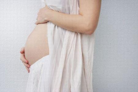 体外受精を行う病院が胚を取り違え、女性が別の夫婦の双子を出産