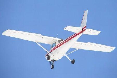 マダガスカルで英女性が飛行機から突然飛び降り死亡、部族が遺体を発見