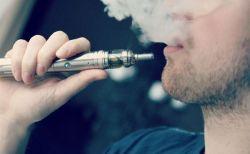 電子タバコが原因とみられる死亡例が、初めてアメリカで確認される