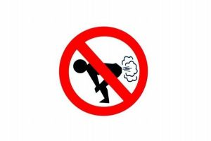 ケニアの議会で誰かがオナラ、強烈すぎる臭いで議論が中断する事態に