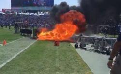 アメフトの試合会場で火災、花火の装置が燃え上がり一時騒然