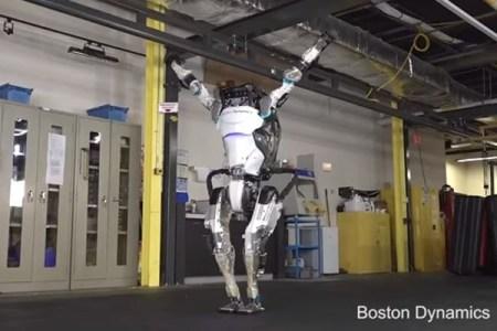 ボストン・ダイナミクスの「アトラス」、体操選手のような滑らかな動きを示す