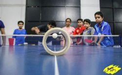 卓球のラケットとボールを使い、超難度の技を披露する動画がすごい