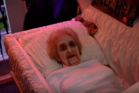 老人ホームが「幽霊屋敷」に変身、ハロウィーンで子供達を楽しませる