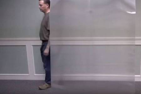 まるで魔法のマント!カナダの企業が光学迷彩の新しい素材を開発【動画】