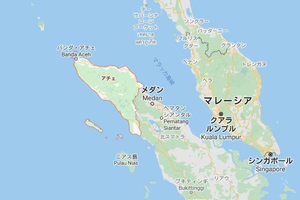 インドネシアの沖合で94名のロヒンギャの人々が漂流、地元の漁師が救出