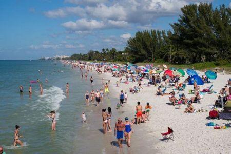 米のフロリダ州で新型コロナが再び蔓延か、1日の感染者が過去最高を記録