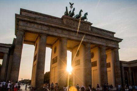 ベルリンが「反差別法」を導入、公的機関による差別を禁止へ