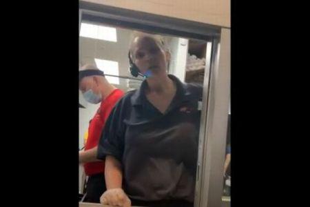 店の従業員がマスクをしていないこと指摘した客、女性マネージャーに逆ギレされてしまう