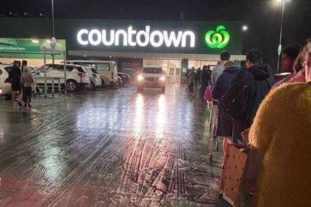 NZで新型コロナの新規感染者を確認、ロックダウン前にスーパーが混乱