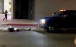 黒人女性殺害事件に抗議するデモ参加者に車が突っ込む、1人を跳ねてそのまま逃走