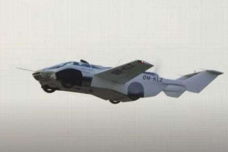 3分で翼を伸ばしてそのまま飛行、スロバキアで空飛ぶ車のテスト・フライトを実施