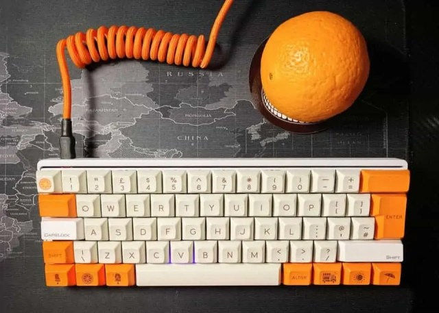 modified orange and white vortex pok2r keyboard