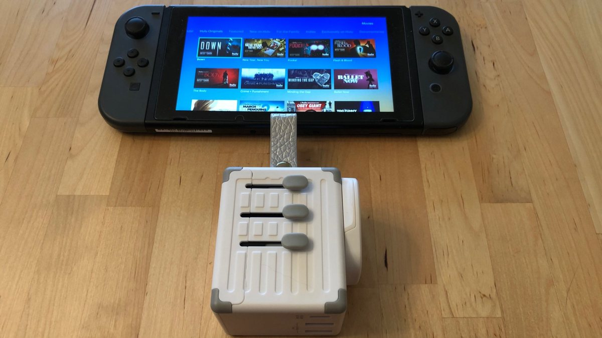 Zikko eLUGGAGE X with Nintendo Switch.