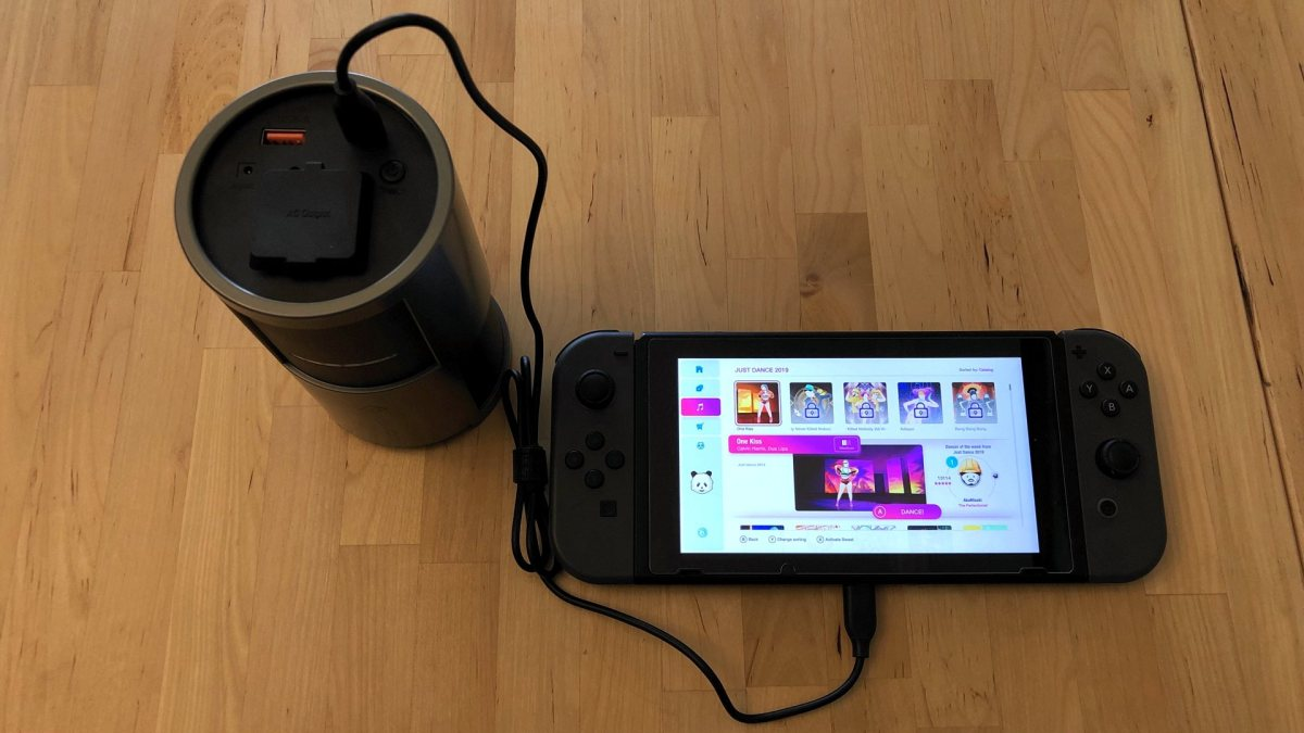 Novoo 85W AC Portable Power Station with Nintendo Switch