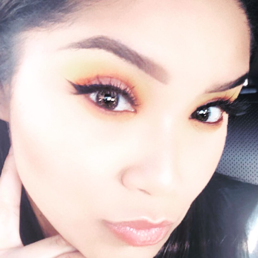 Winged Eyeliner is a chic go to look for the fall