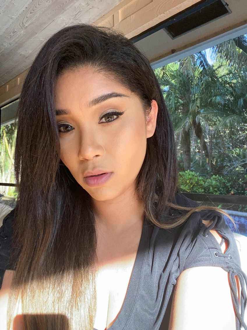 Anastasia Beverly Hills Liquid Glow highlighter is perfect for a flawless makeup finish
