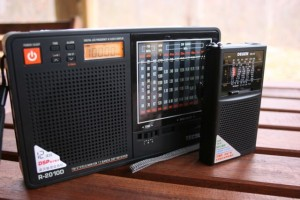 """The Tecsun R-2010D (left) has the best audio from its large internal speaker, the Degen DE32, on the other hand, produces """"tinny"""" audio via its speaker."""