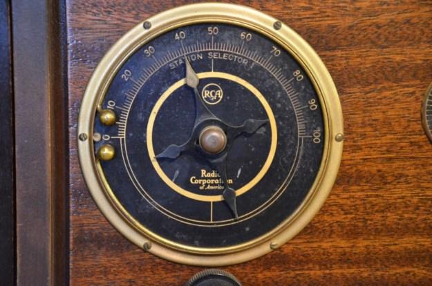 RCA-Portable-Dial