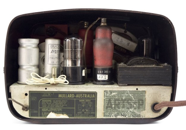 Mullard-Tube-Radio-Bakelite-3