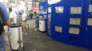 2017 Hamvention Inside Exhibits - 1 of 132 (20)