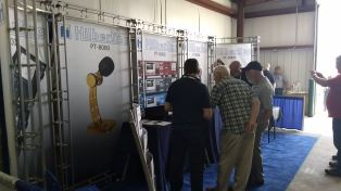 2017 Hamvention Inside Exhibits - 1 of 132 (24)