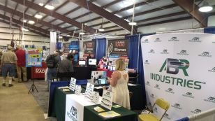 2017 Hamvention Inside Exhibits - 1 of 132 (96)