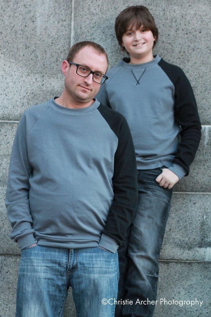 rebel-raglan-sweatshirt