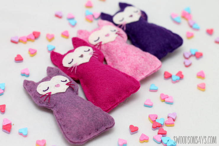 Awesome Sewing Projects for Kids: Felt Pocket Kitty