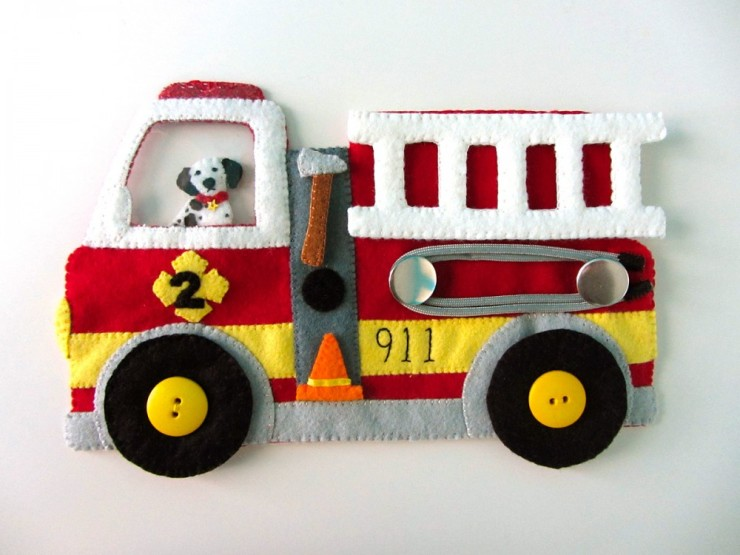Fire truck busy quiet book - free pattern