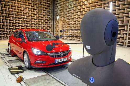 Opel-Astra-Acoustic-Lab-2