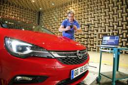 Opel-Astra-Acoustic-Lab-3